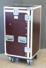 """Winkelrack Flightcase 19"""" Rack mit 2 Deckeln 18/10He R-Schiene mit Aufstellmechanik"""