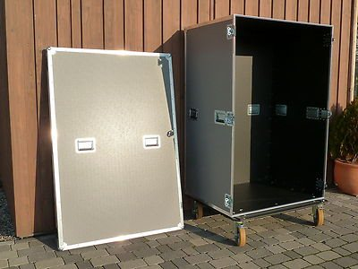 Flightcase schrank container schrankcase messeschrank 120b for Schrank container