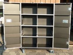 Flightcase Schrank mit 16 Fächern Schrankcase Messeschrank