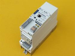Lenze E84AVSCE5512SX0 Frequenzumrichter 0,55KW Inverter Drives 8400
